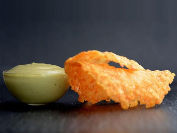 Pesto aérien avec sa tuile de parmesan
